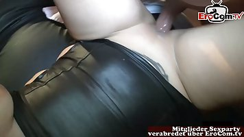Mommy with big milkings loves homemade porn and orgasm