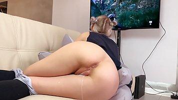 Молодая блондинка после минета ощущает всю прелесть хардкора