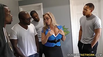 Company blacks gave mommy in stockings double penetration