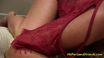 Mature lady during the pick-up sticks tight pussy for sex with a stranger