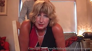 Зрелая семейная парочка записывает на камеру свое домашнее порно
