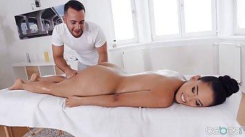 Скачать сексуальные массаж порт восточный индивидуалки